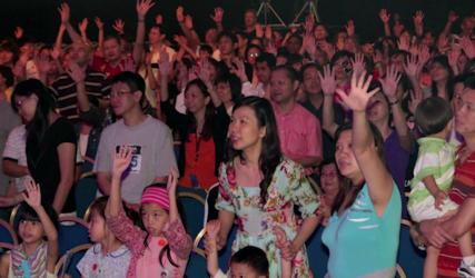 illuminate_crowd